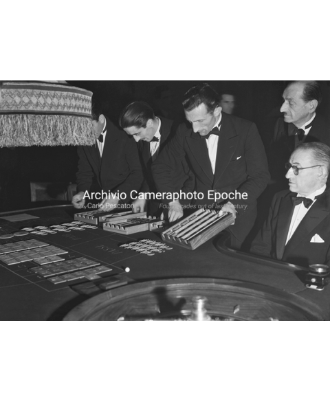 S.Remo Casino - Around The Game Table