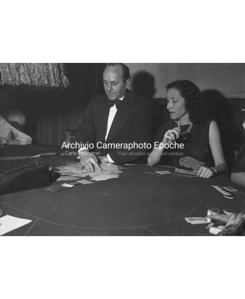 S.Remo Casino - Poker And Cigarette
