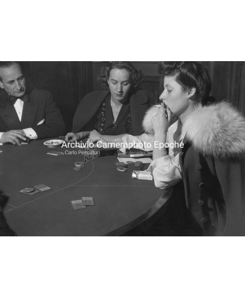 S.Remo Casino - Women Playing Poker