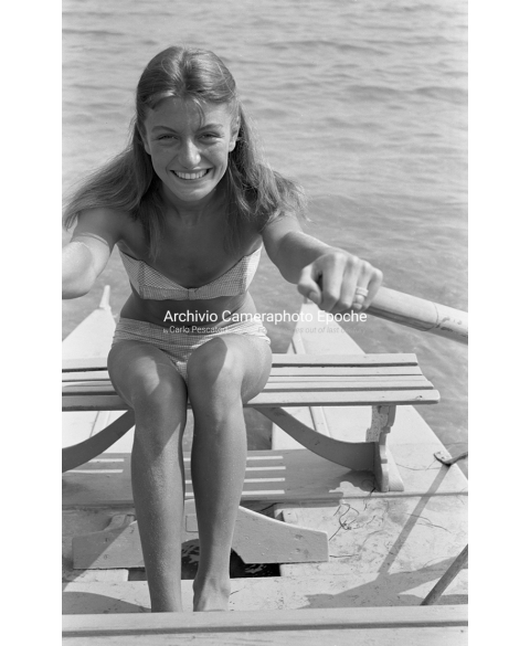 Anouk Aimee - On A Rowboat