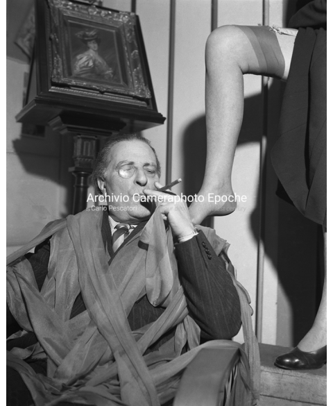 Tights Museum - Tights An Cigar