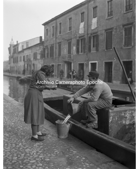 Comacchio Outlaw - Selling Fishes