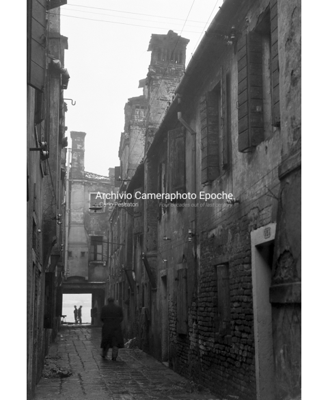 Venice Poverty And Decay - Down The 'Calle'