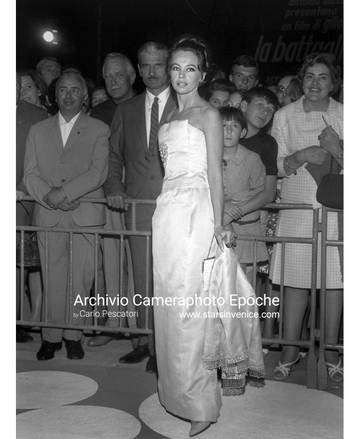 Leslie Caron - Leslie and fans I