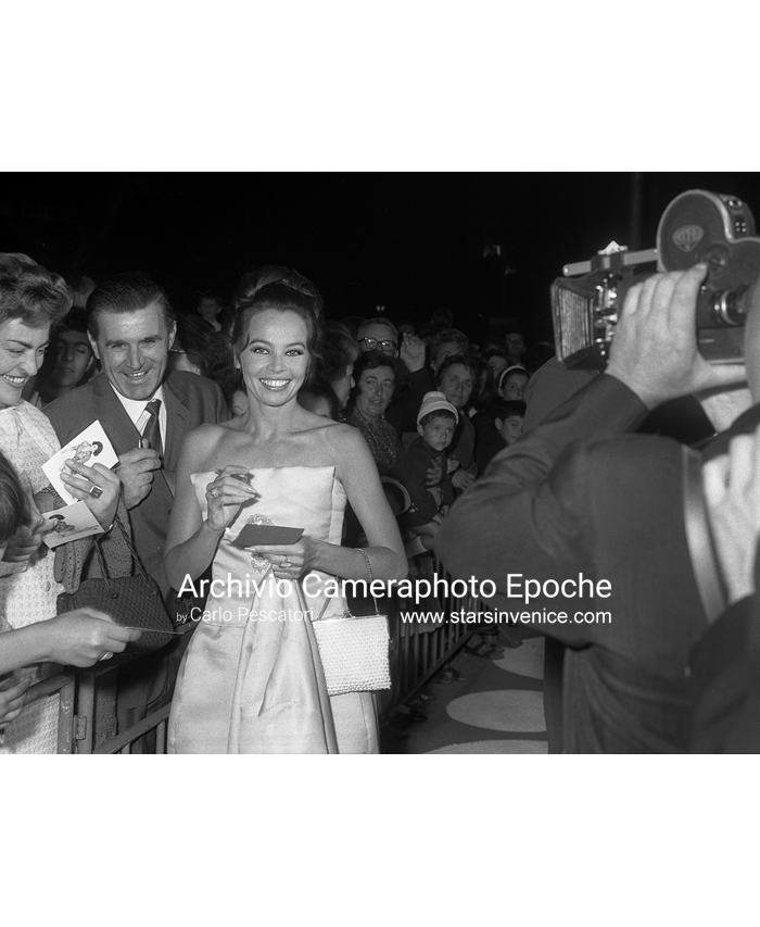 Leslie Caron - Leslie and fans V