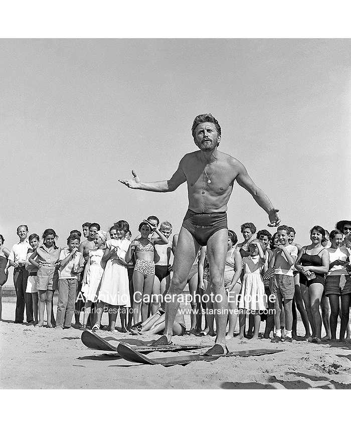 Kirk Douglas - And The Waterskiing