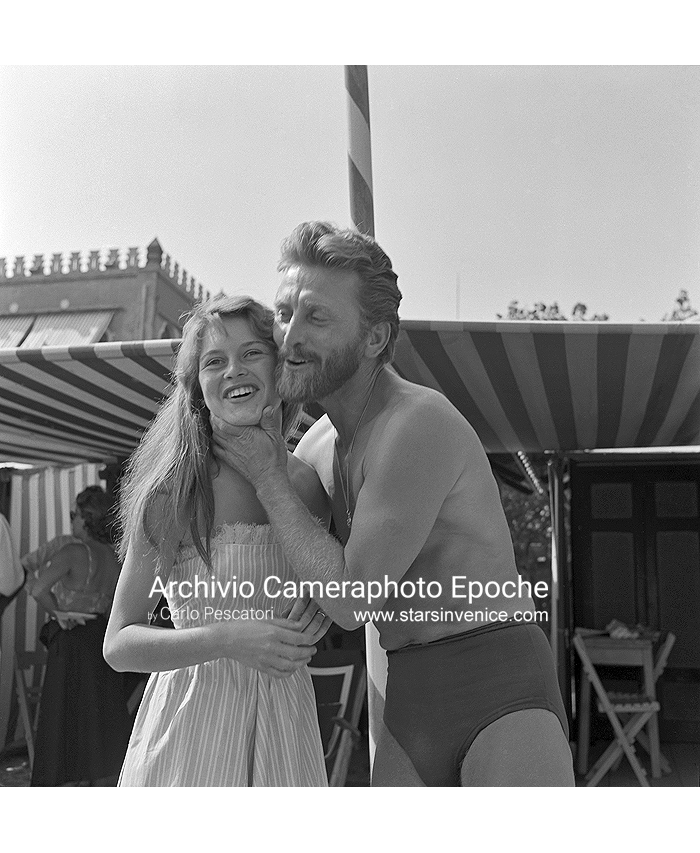 Kirk Douglas - With Helen Portello