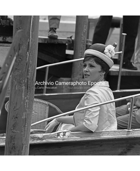 Gina Lollobrigida - Sitting On A Water Taxi