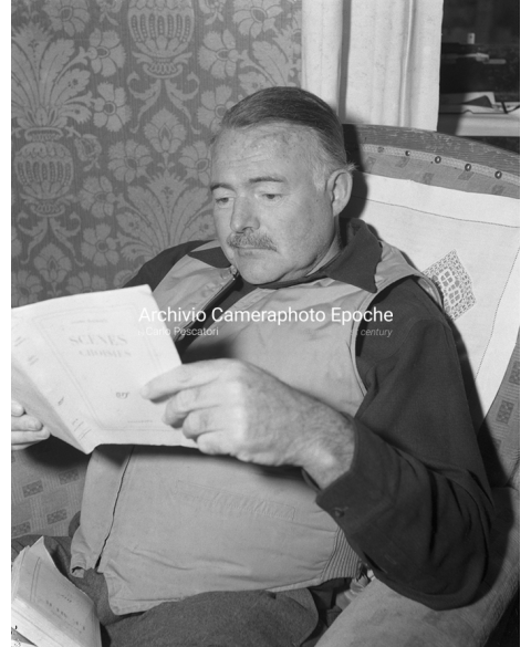 Ernest Hemingway - Reading a Book