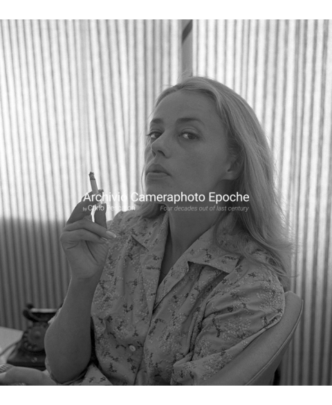 Jeanne Moreau - Blowing Smoke