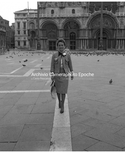 Jeanne Moreau - A Walk in St. Mark Square