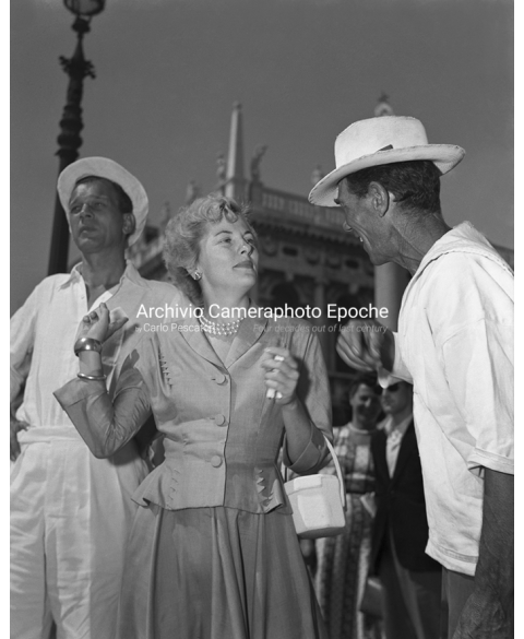 Joan Fontaine - Talking To A Gondolier