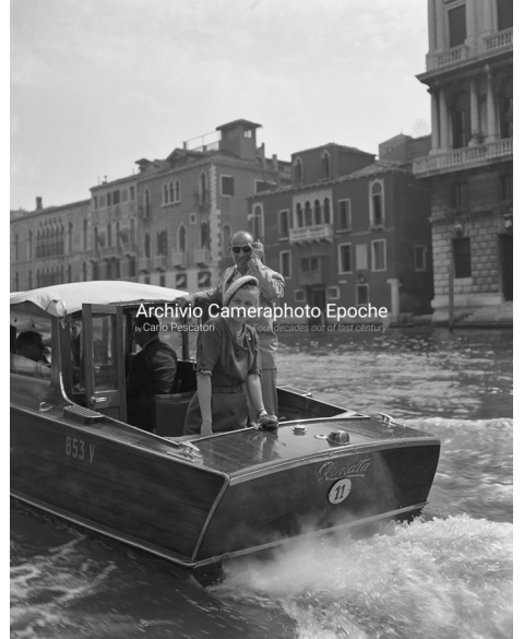 Joan Fontaine - A Water Taxi Trip