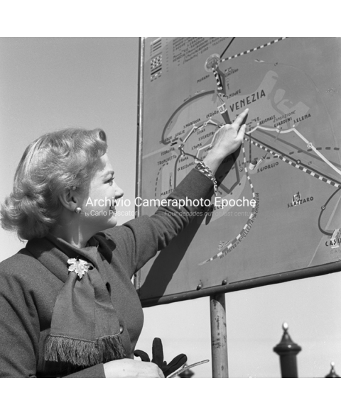 Anne Baxter - Pointing The Map