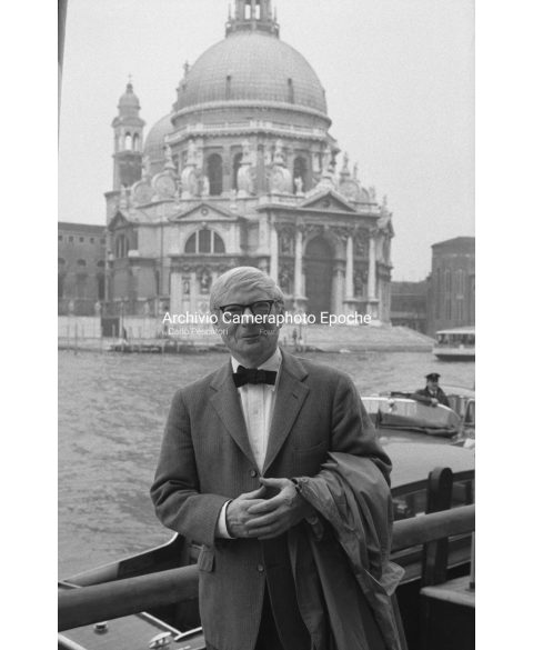 Louis Kahn - Posing For The Picture