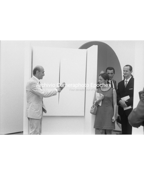 Lucio Fontana - Eplaining His Paintings