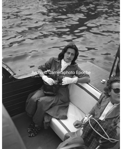 Anna Magnani - On A Water Taxi