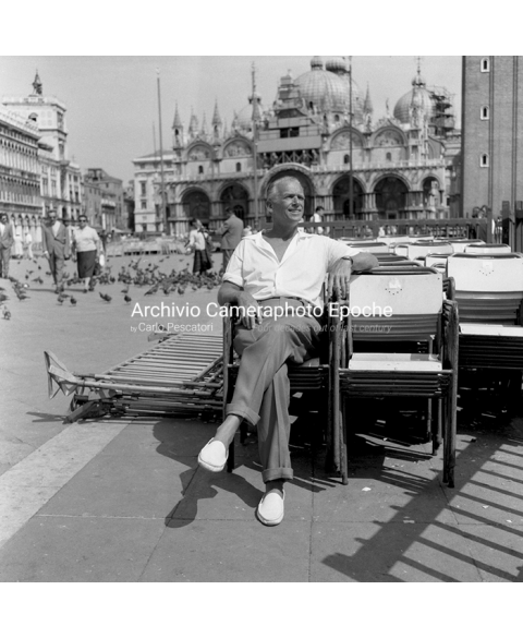 Douglas Fairbanks Jr. - In St. Mark Square
